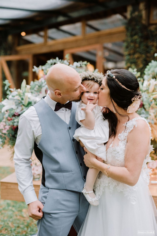Casamento a dois emocionante no campo   Lápis de Noiva
