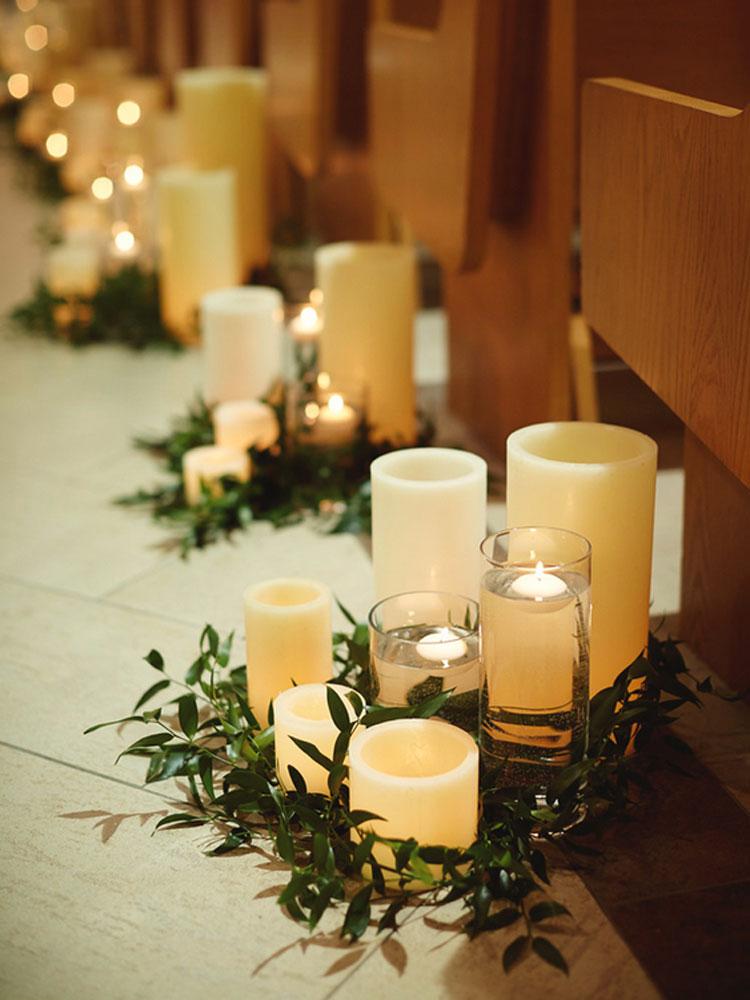 iluminação de casamento barata com velas brancas