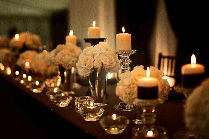 iluminação de casamento barata com velas na mesa