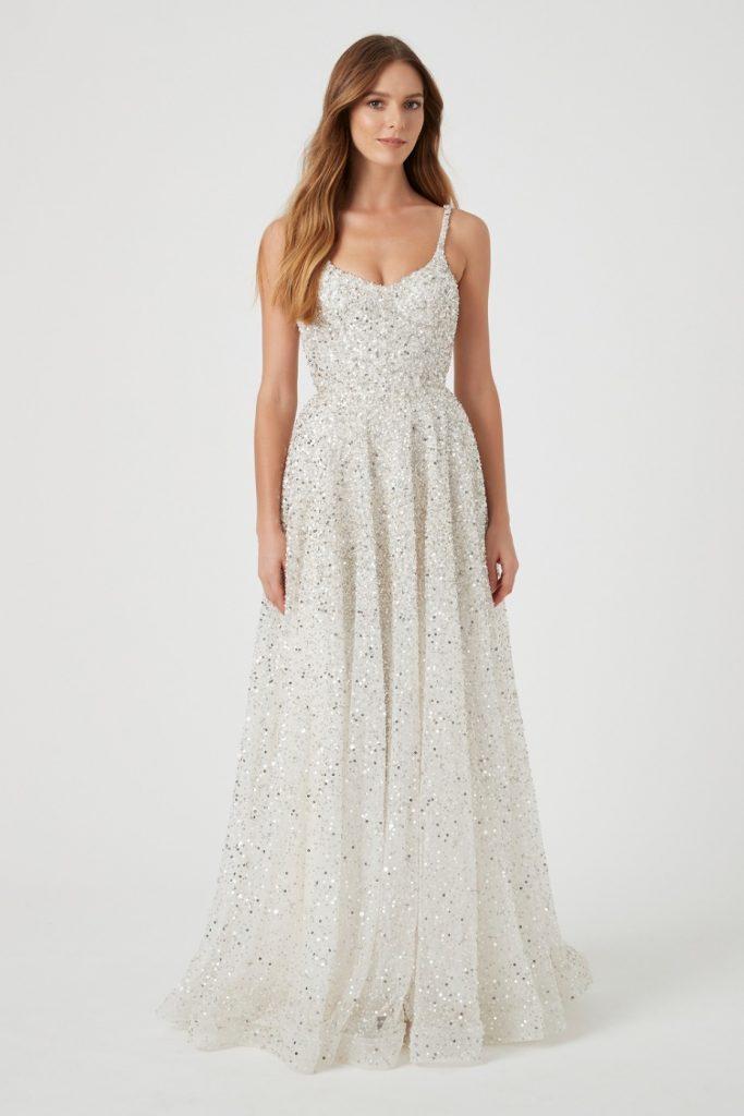 vestido de noiva com brilho sem volume na saia