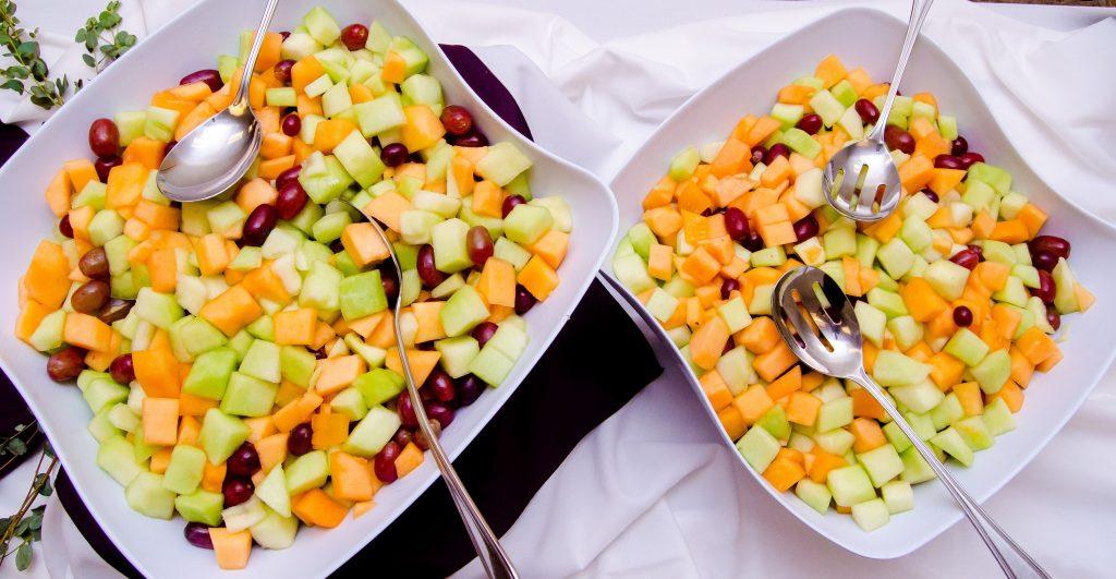salada de frutas para casamento sustentável