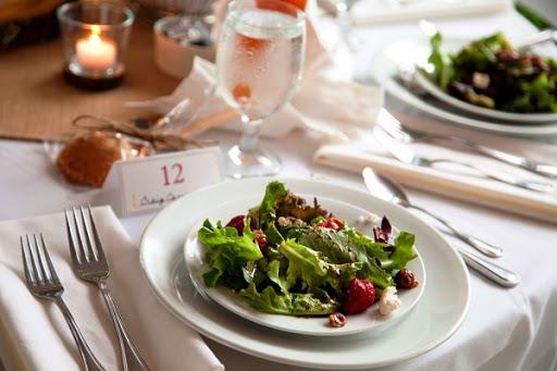 saladas para jantar para casamento