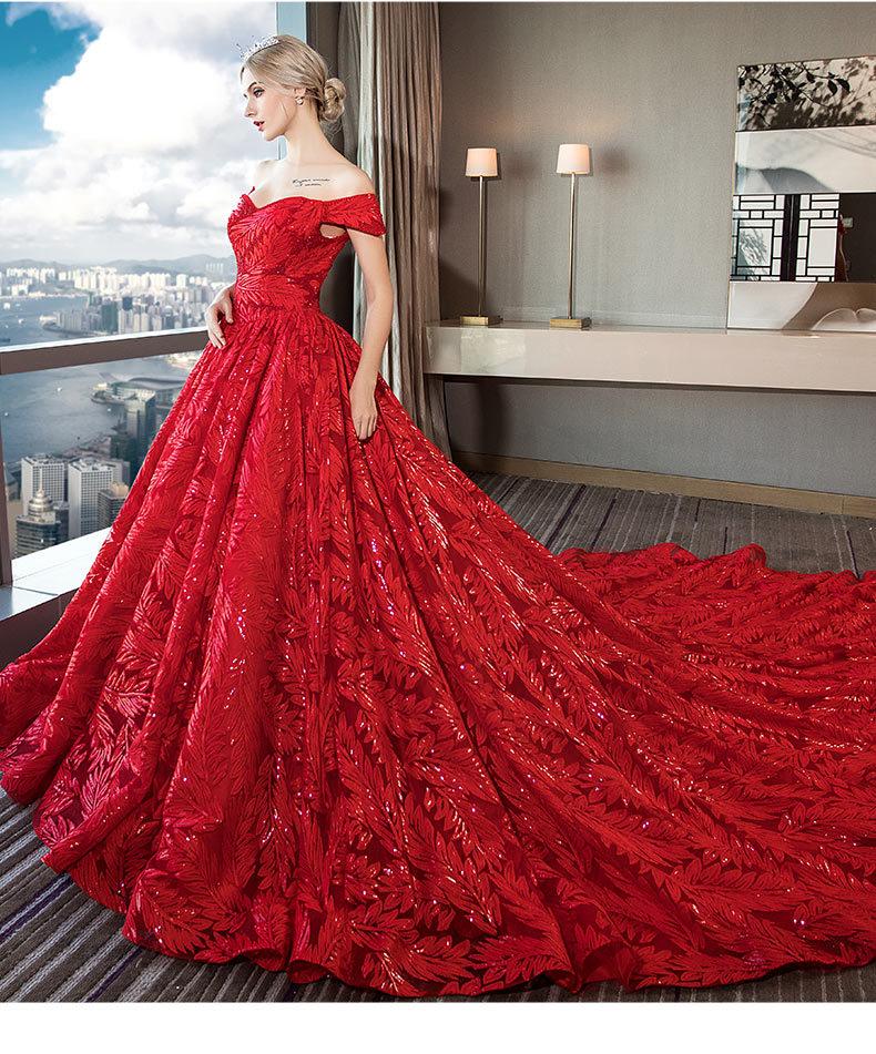 vestido de casamento vermelho ombro a ombro