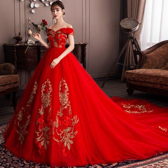 vestido de casamento vermelho modelo ombro a ombro
