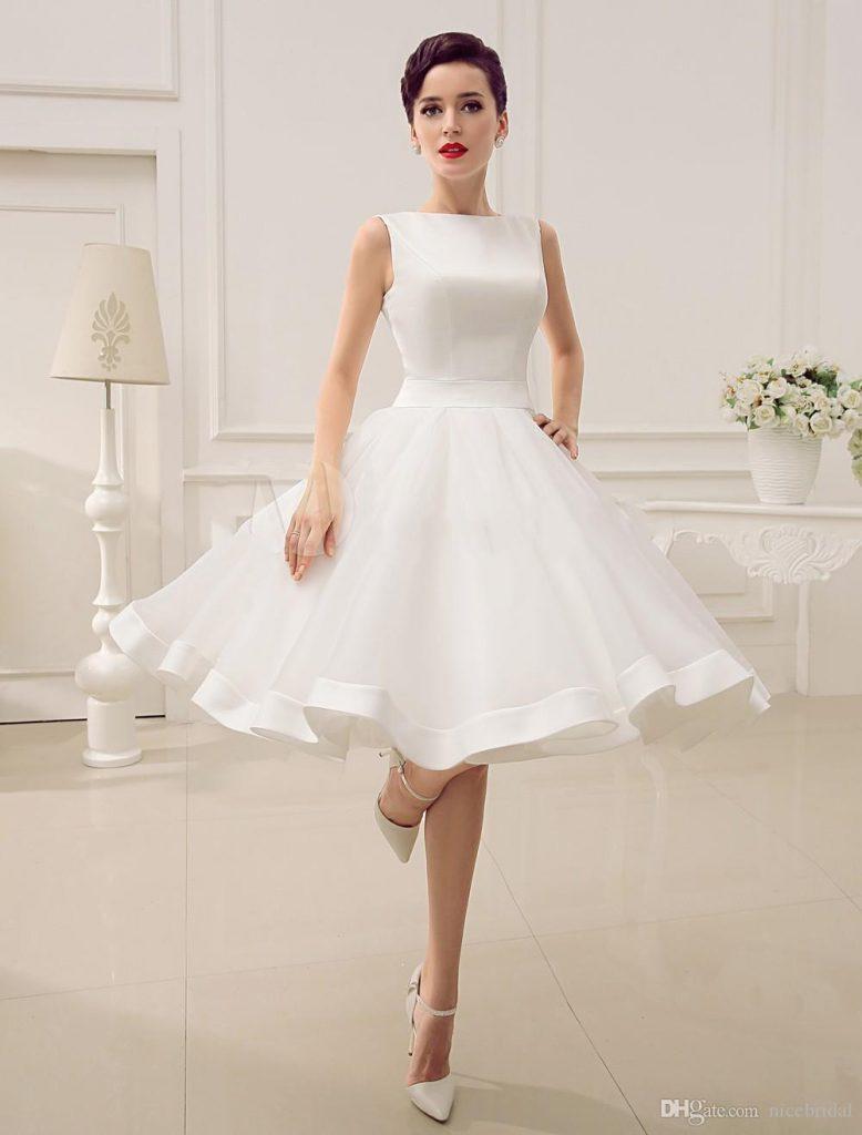 vestido de noiva curto drapeado com saia de tule