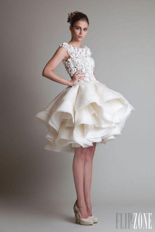 vestido de noiva curto estiloso