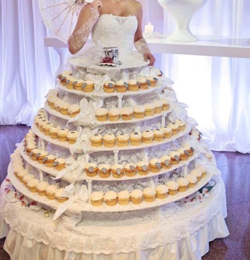 vestido de noiva diferente com bolinhos