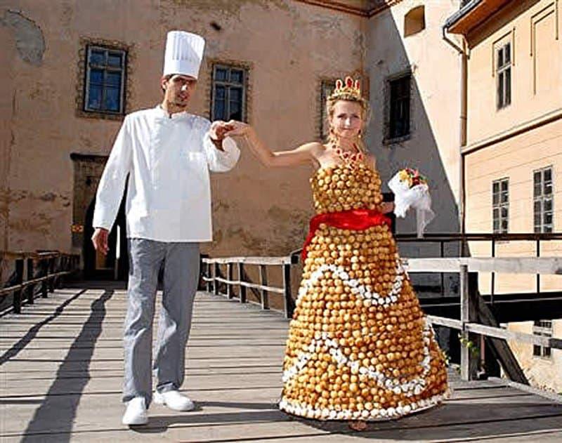 vestido de noiva diferente com pães
