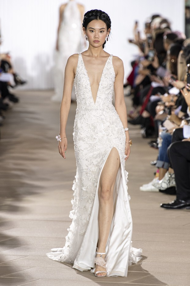 vestido de noiva sexy com super decote
