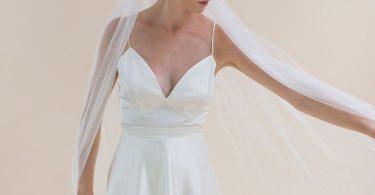 veu de noiva com vestido branco