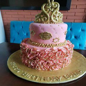 bolo de aniversário de casamento rosa e dourado