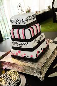 bolo de aniversário de casamento preto e branco