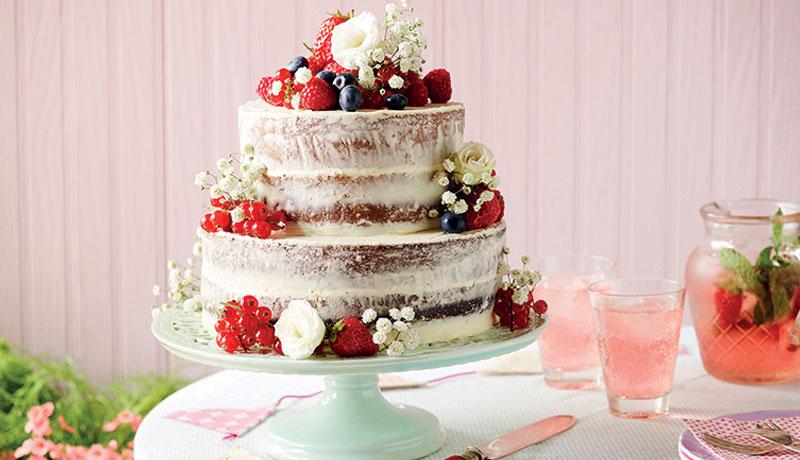 bolo de casamento com frutas opostas