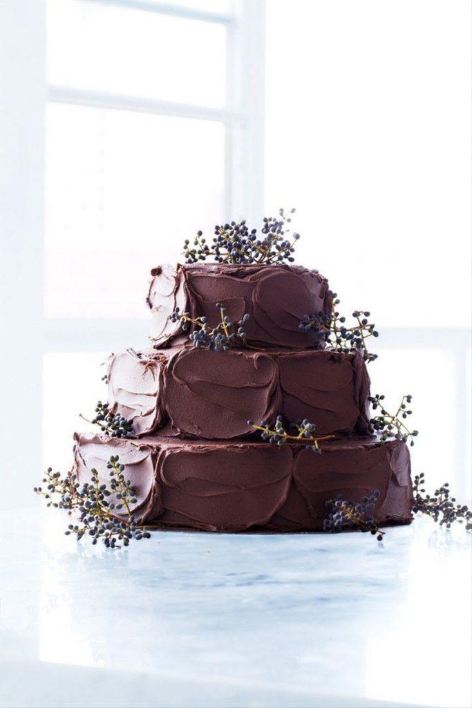 bolo de casamento de chocolate ponto de brigadeiro