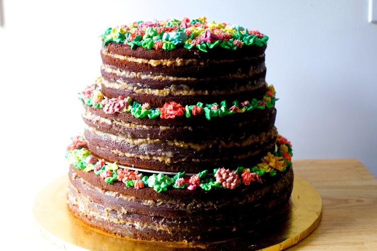 bolo de casamento com massa de chocolate