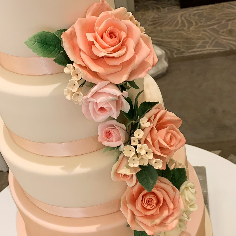 bolo de noivado 2021 com flores