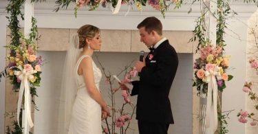 lendo votos de casamento