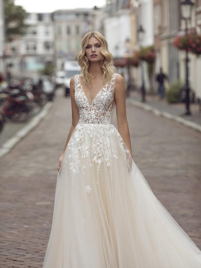 vestido de noiva moderno transparente